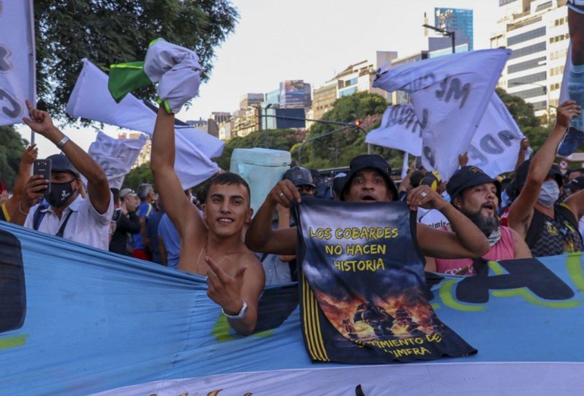Arjantin de Maradona nın öldürüldüğü iddiasıyla gösteri düzenlendi #2