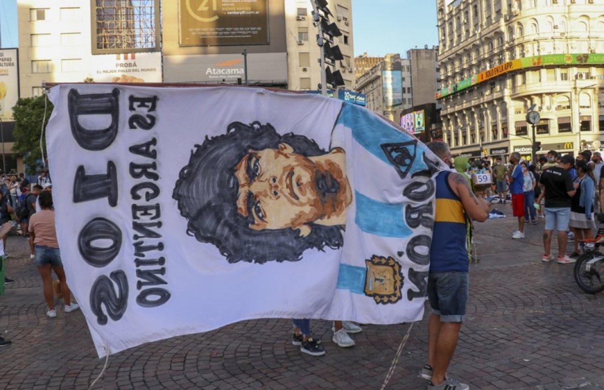 Arjantin de Maradona nın öldürüldüğü iddiasıyla gösteri düzenlendi #4