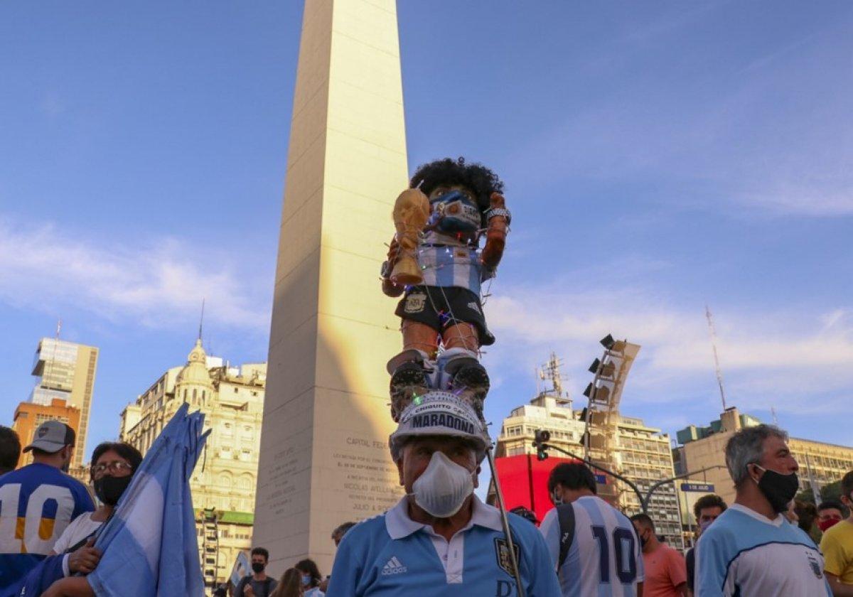 Arjantin de Maradona nın öldürüldüğü iddiasıyla gösteri düzenlendi #6