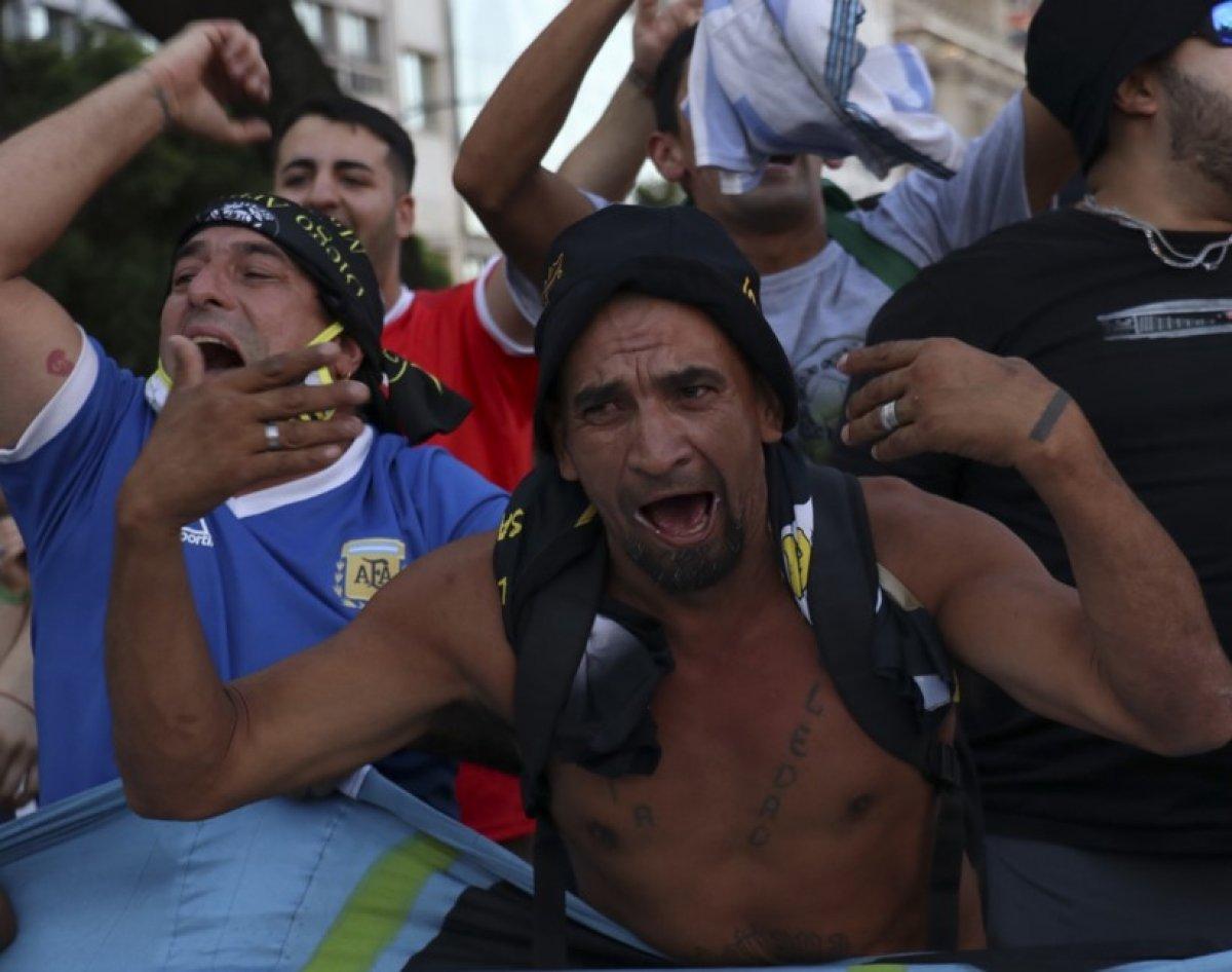 Arjantin de Maradona nın öldürüldüğü iddiasıyla gösteri düzenlendi #9