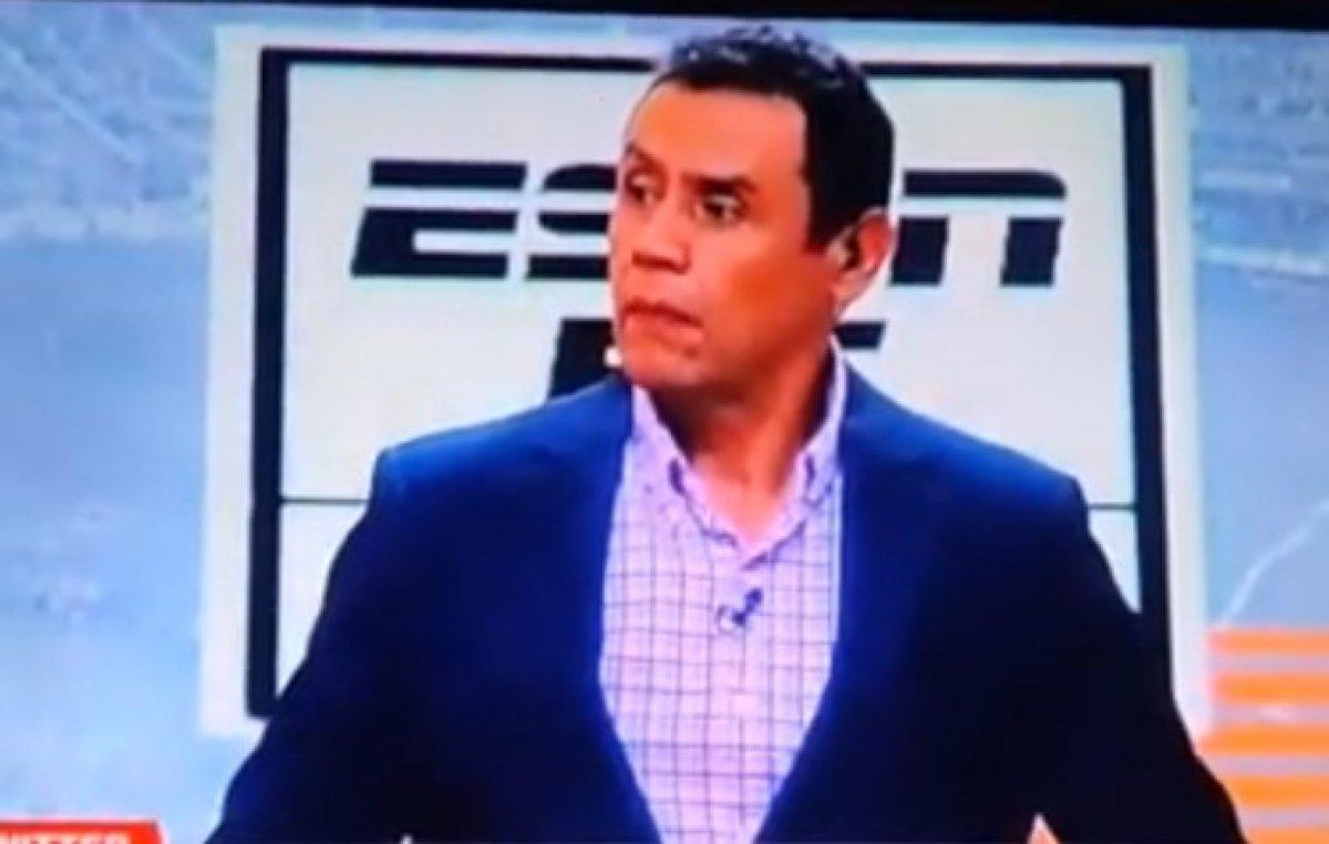 Kolombiya ESPN stüdyosunda yorumcunun üzerine dekor devrildi #2