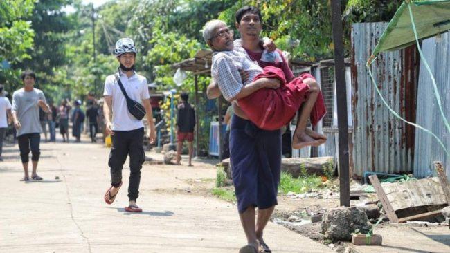 Myanmar'da güvenlik güçleri, grevdeki demir yolu çalışanlarını evlerinden çıkardı