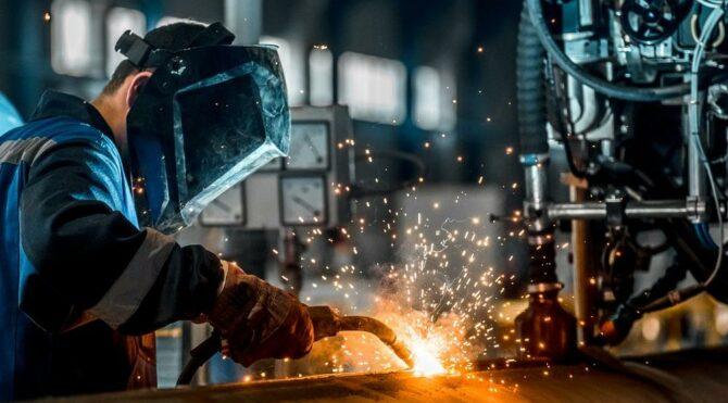 Sanayi üretimi ocakta yıllık yüzde 11,4 arttı